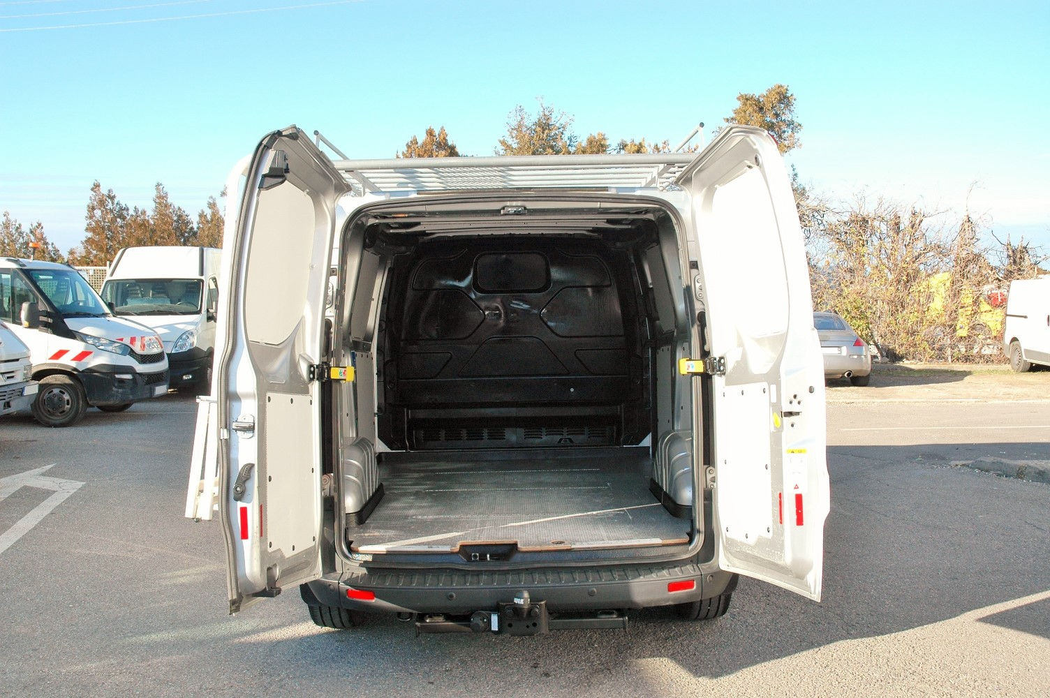 v hicules occasions ford transit custom 150 fourgon. Black Bedroom Furniture Sets. Home Design Ideas